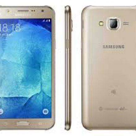 Samsung Launches Four New 'Galaxy J' Smart Phones in Pakistan