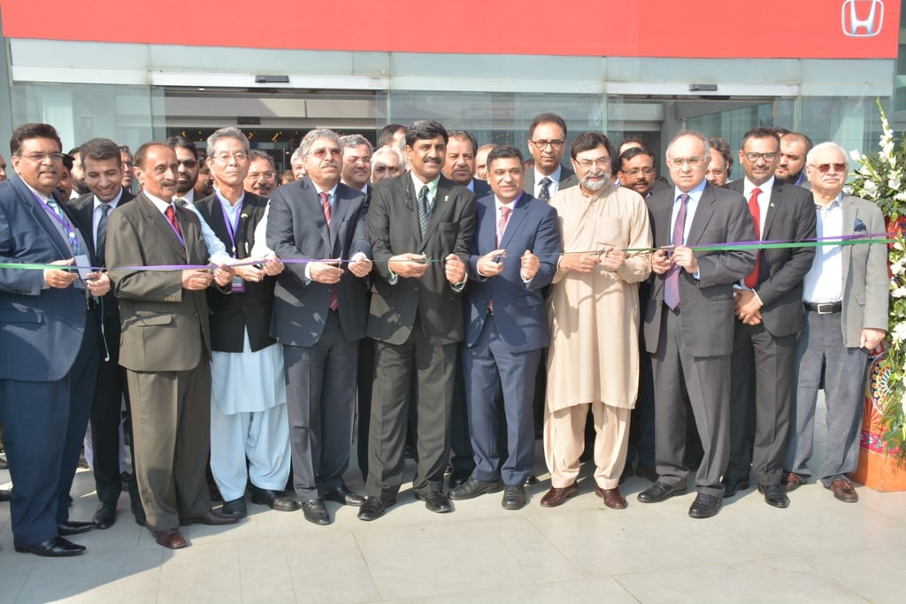Chief EDB inaugurates Pakistan's largest automobile event in LAHORE