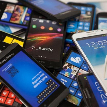 Pakistan's Smart Phone Imports Up By 10.3 percent (NetMag Desk)