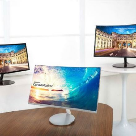 Samsung Electronics Expands Curved Monitor 1,800R Curvature Displays
