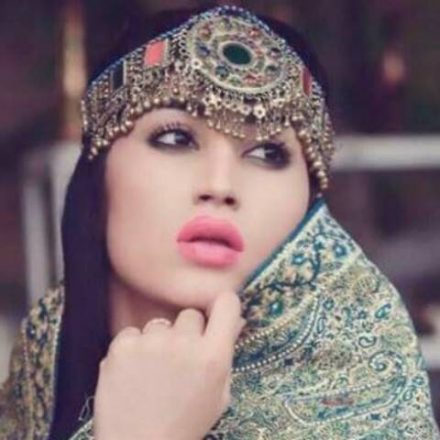 Social Media Celebrity Qandeel Baloch Strangled to Death by her Brother.
