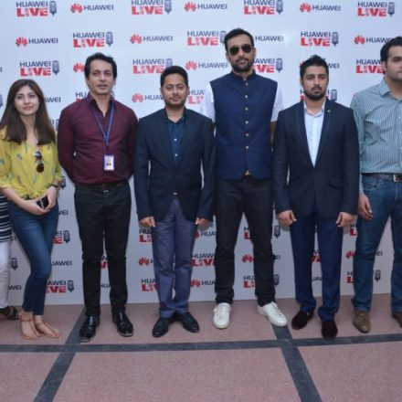 An Audience favourite Star set the Stage on fire at BNU University for Huawei Live