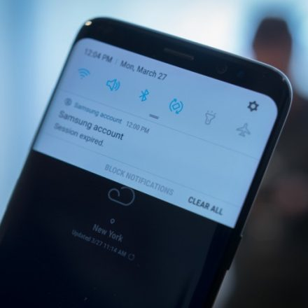 How to Customize app notifications on the Samsung Galaxy S8?