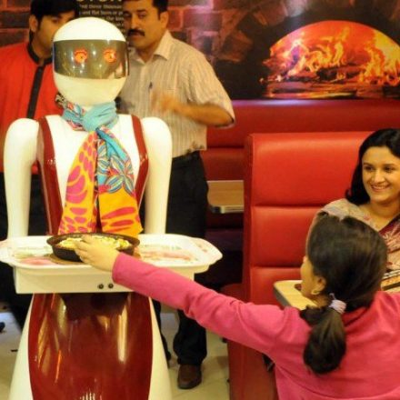 Let's know what Pakistani Robot waitress 'Amy' can do?