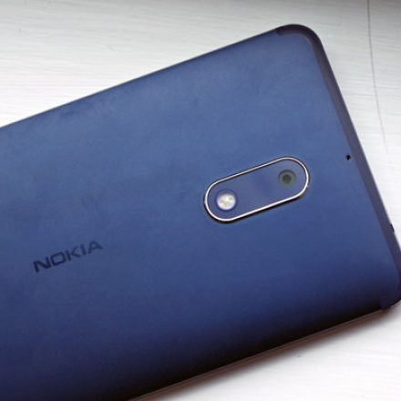 Nokia 9 is far better than Samsung Galaxy S8 in Specs War