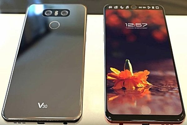 TheLG V30 specsare said to be consist of a Snapdragon 835 processor, With 3,200 mAh battery, IP68 certification for dirt and water resistance and ESS Quad