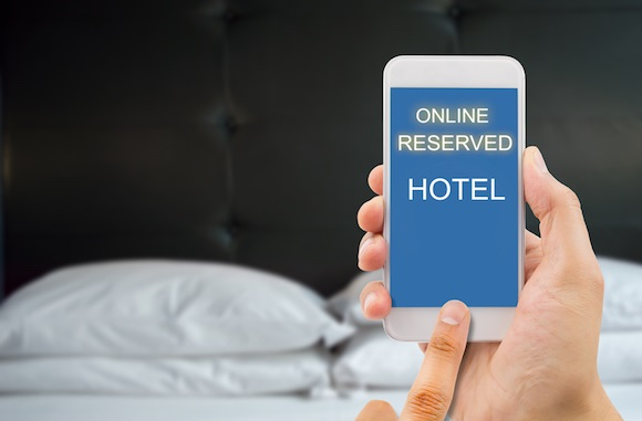 53% business travellers reap perks of mobile technology by booking hotels through smartphones