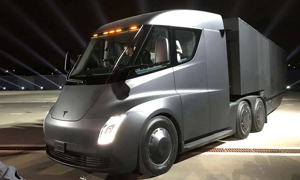 Behold Tesla's new electric semi truck