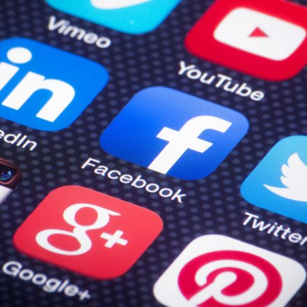 Google, Facebook, Microsoft & Twitter join news organisations in 'Trust Project'