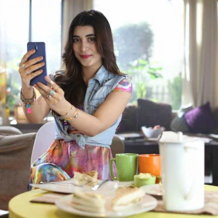 Urwa Hocane Tells All the Secrets of Taking Amazing Selfies with HUAWEI Mate 10 lite