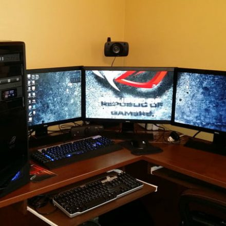 How to connect multiple monitors for PC gaming