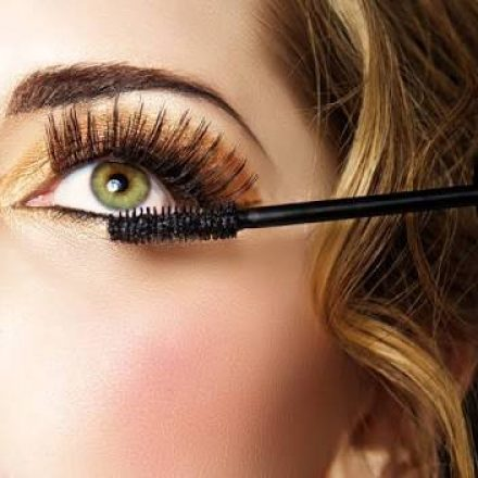 This is the way you can apply Mascara like a pro