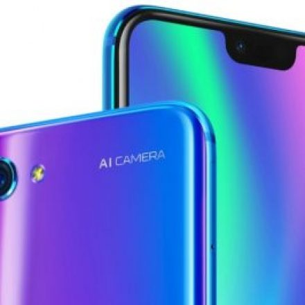 Honor 10 goes official in China