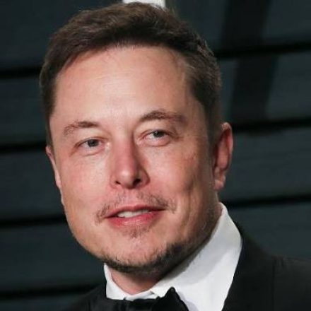 Elon Musk demands regulations for social media and AI
