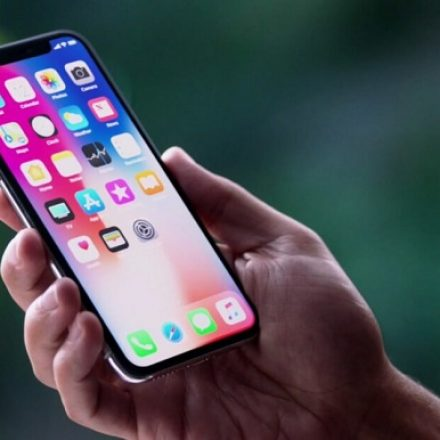 Apple to reportedly get its OLED displays from LG to reduce reliance on Samsung