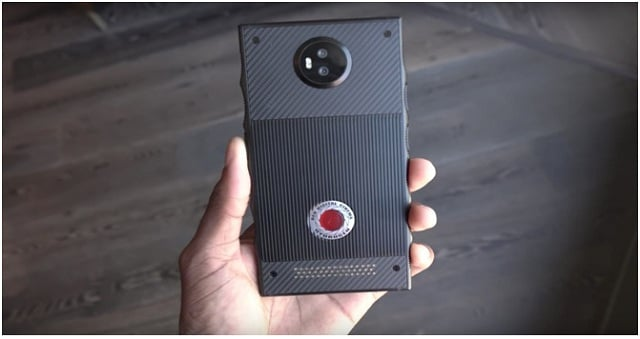 Red tell its users about the features its first Holographic Hydrogen One Smartphone.