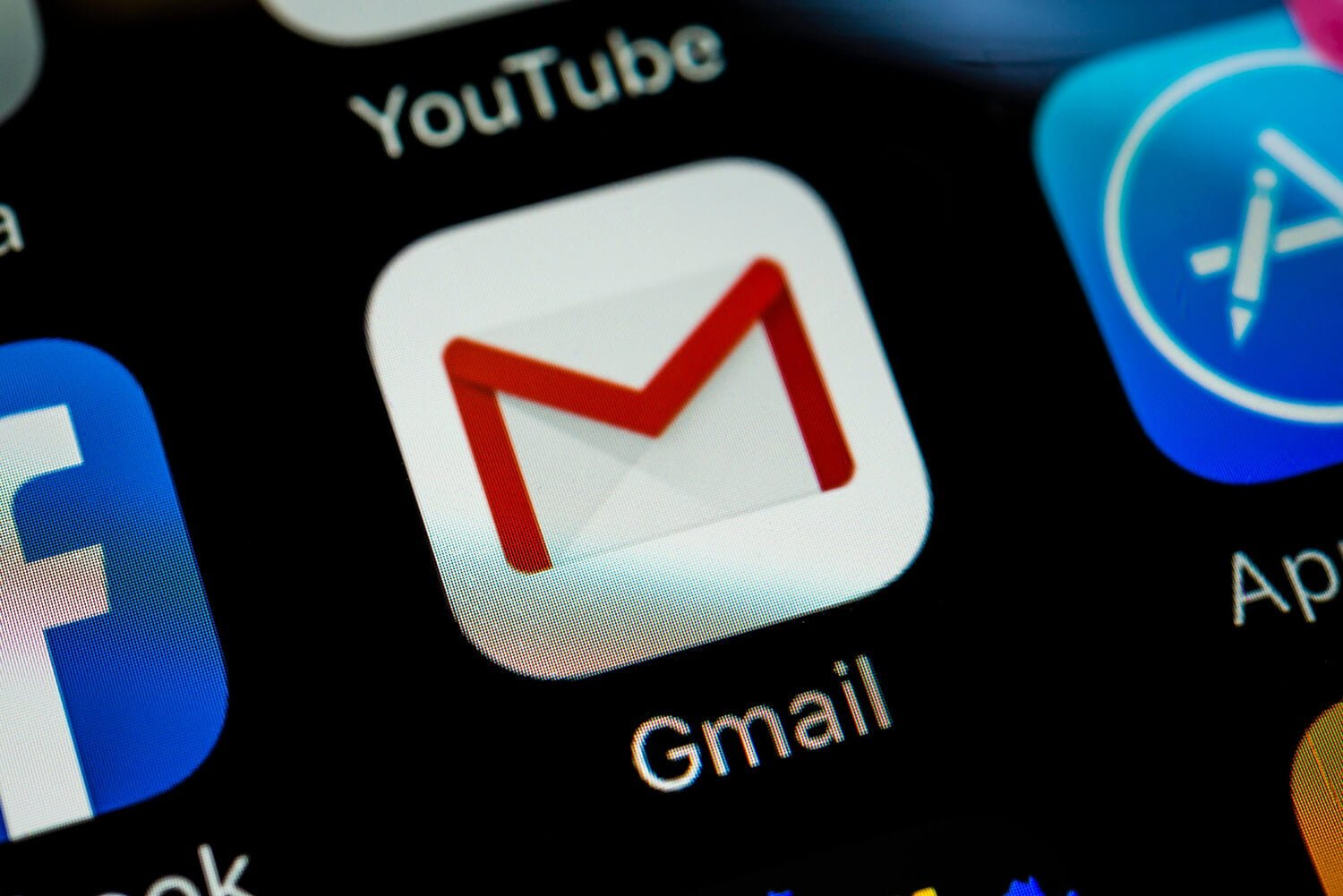 Google is afraid of assuming your gender with Gmail's Smart Compose feature