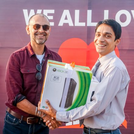 SimSim Pakistan sells Xbox, iPhone and more for Rs.1 ONLY!