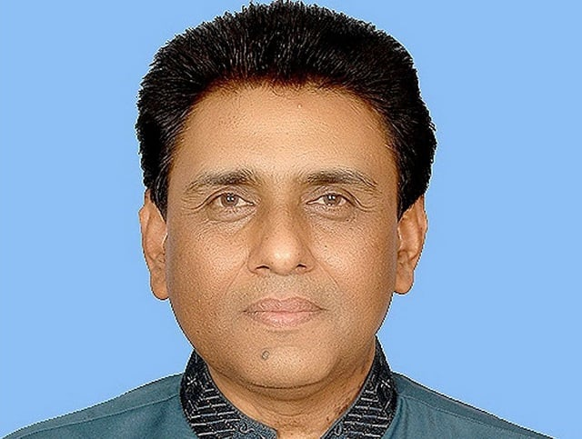 IT MINISTER DR. KHALID MAQBOOL SIDDIQUI ASSURES ALL OUT TECHNICAL SUPPORT ON REPORTS OVER THE THEFT OF BANK ACCOUNT DATA