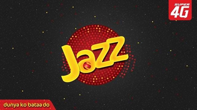 Jazz and Eva Continue their Journey through Pakistan