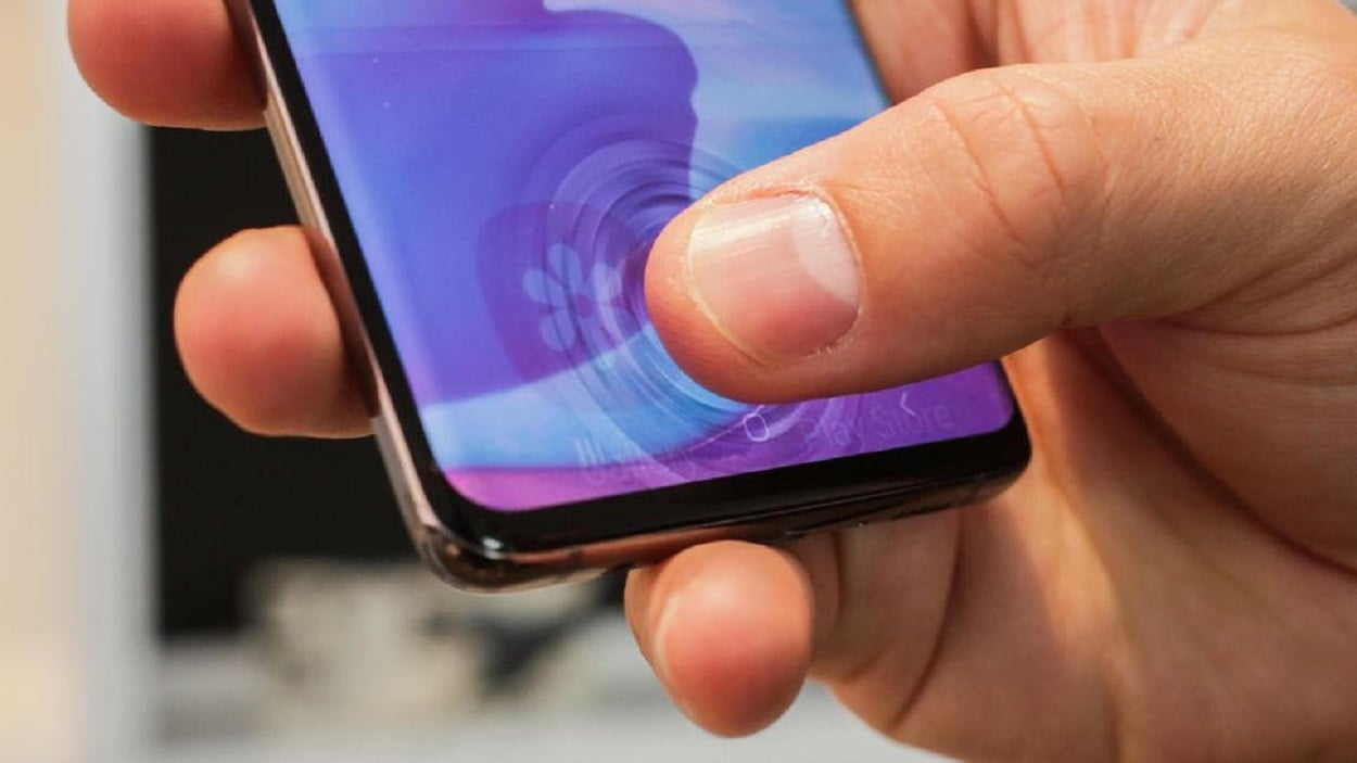 Samsung tries patch in order to make the S10 fingerprint scanner better