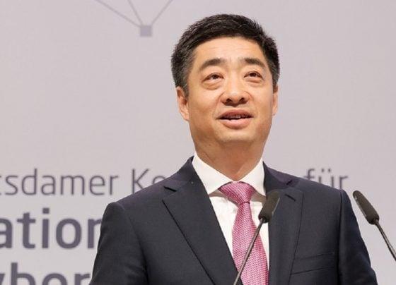"""Ken Hu, Deputy Chairman of Huawei in Berlin: """"No More Walls"""""""