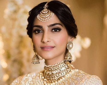 SONAM KAPOOR SHOWS PRIYANKA WHO ACTUALLY DESERVES TO BE PEACE AMBASSADOR