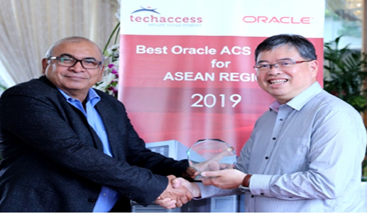 Techaccess Pakistan receives the Oracle Advanced Customer Services ASEAN Best Partner Award