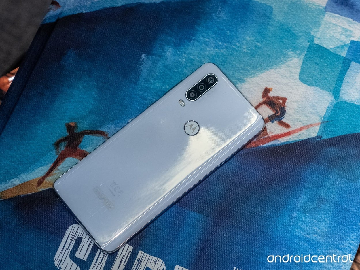 MOTOROLA ONE ACTION BRINGS GO-PRO PHOTOGRAPHY TO SMARTPHONE