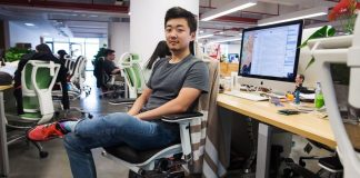 Oneplus Confirms Leaving Of Carl Pei