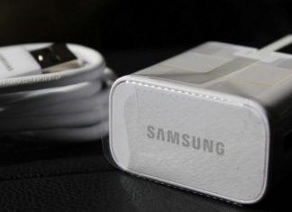 Samsung mocks Apple for lack of charger