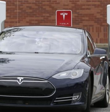 Tesla Next On PM's List to Convince to Start Operations in Pakistan