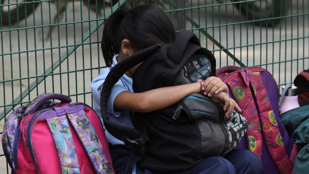burden of bags Why students are reluctant to go back to school
